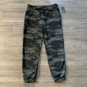 wild fable Pants - Camo vintage jogger sweatpants - Wild Fable - NWT✨